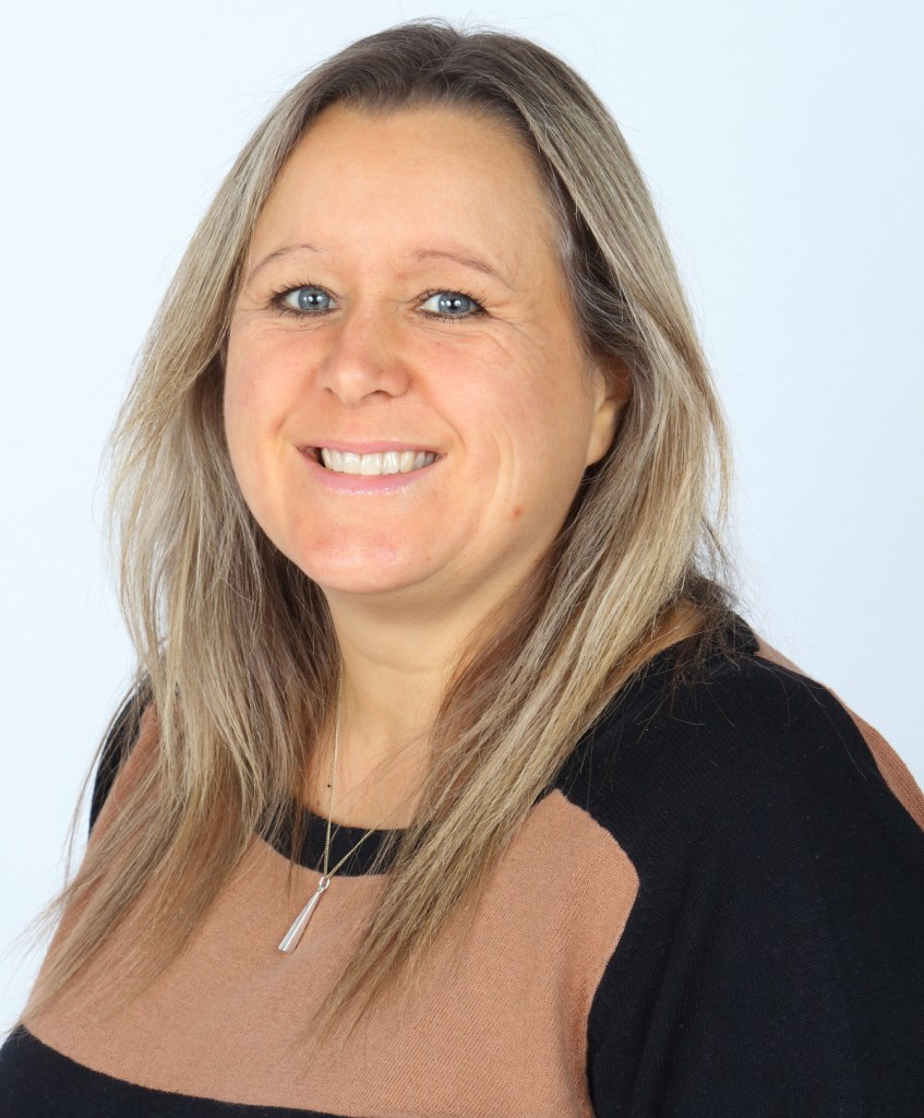 Mrs R Williamson - Early Years Practitioner